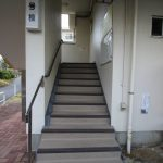 松が丘団地13号棟階段